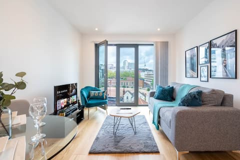 Deluxe 1 Bedroom Stylish Apartment - City Centre