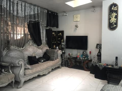 Charming 1-Bed Apartment in Karbala,