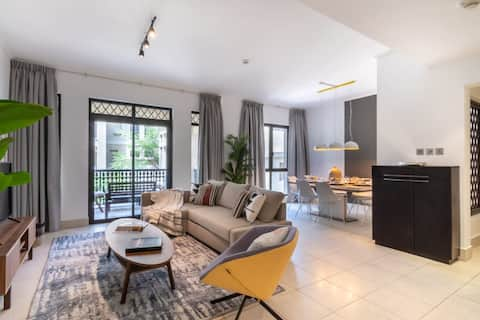 Outstanding 2 BR in Downtown, 5 mins to Dubai Mall!