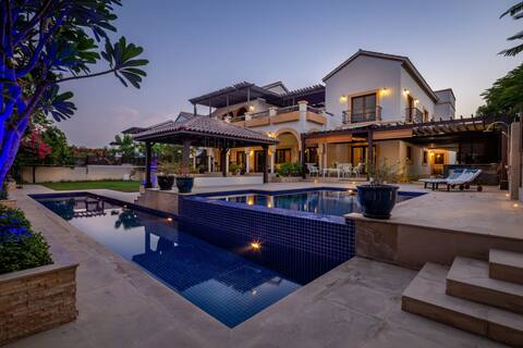 Exceptional and Grand 4BR Villa with Private Pool!