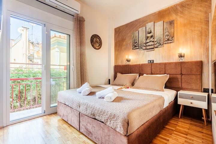 Spacious cozy bedroom - Double bed