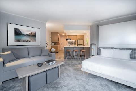 RENOVERET + Bright Mountain-suite med balkon | Ideel beliggenhed