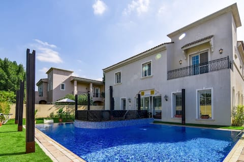 Grand Villa In Arabian Ranches with Private Pool