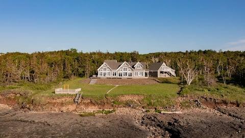 Breathtaking Oceanside Villa in Historic Annapolis Royal