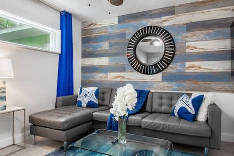 Luxury Suite at Madeira Beach DOCK One Block From Johns Pass Village