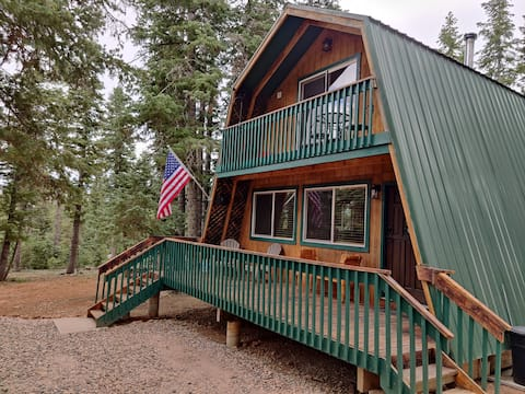 Casa Verde- Just Listed - Cozy-Luxury Cabin - With Bryce and Zion minutes away