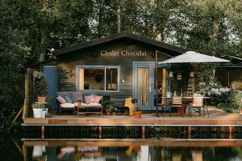Zasněná chata v Geel s terasou na vodě a BBQ