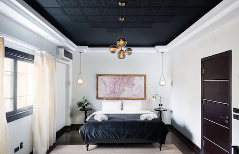 The Bold Parisian House - Steps From The Best Mall in Cairo