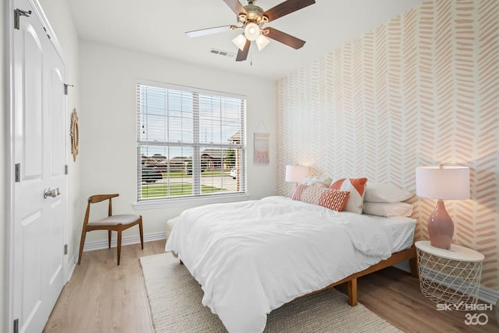 Queen Size Bed in the first guest bedroom