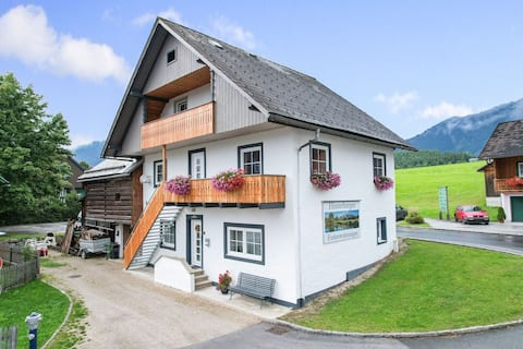 Cosy apartment in Bad Mitterndorf with a garden