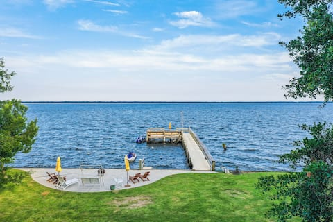 Swimmin' Hole 2   Lakefront Gem   Dock & Launch