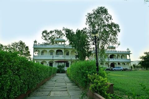 Rani Bagh Resort-Standard Room