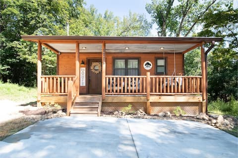 NEW, LOCATION, KING, FIRE PIT, FIREPLACE, JACUZZI