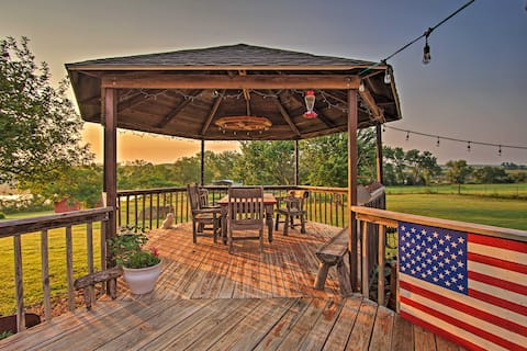 NEW! Red Bluff Inn & Retreat: Entire Ranch on Lake