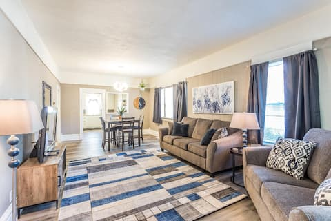 Sioux Falls Getaway | Within Walking Distance To Downtown |