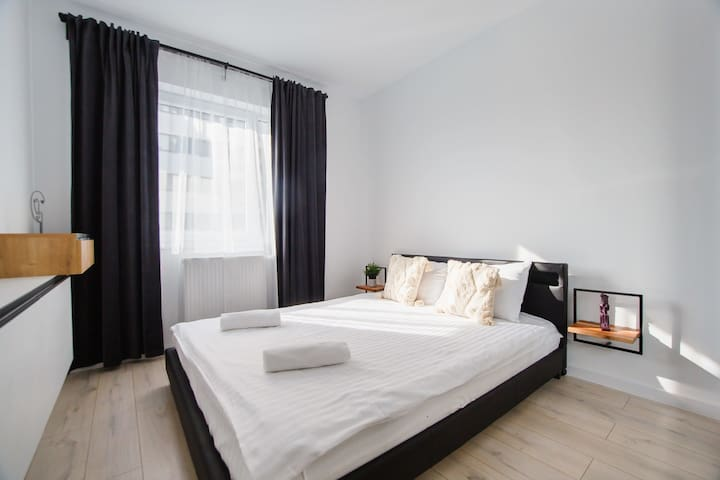 Master bedrom (160 cm wide)