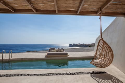 Beach villa,Heated pool,Incredible view,Next to Amentities 3