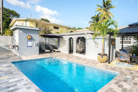 Impressive Private Pool Home 3 Min to Welches Beach