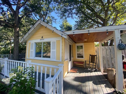NEW! The Yellow Cottage @ Cottages on Petite Lake