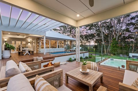 Parkwood Retreat - Your own private mini-resort!