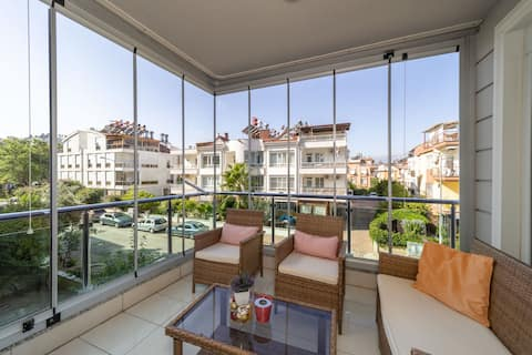 Cozy and Central Apartment near Popular Attractions in Konyaalti, Antalya