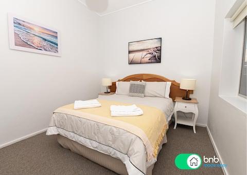 One-Bedroom Apartment on Summer | Neat, Near CBD