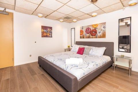 ¡Apartamento moderno del estudio con la cama tamaño king, cerca de la zona céntrica Ottawa!