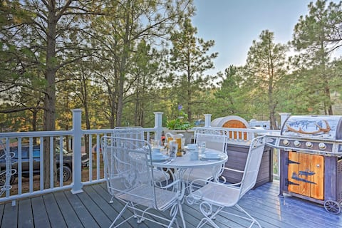 NEW! 'Belle Cabin' in Hermosa w/ Hot Tub Access!
