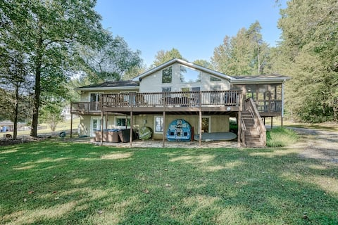Lakefront Home with Private Hot Tub, Dock, Lake View, Fireplace, Firepit & WiFi