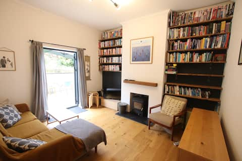 Quirky & Colourful 1BD Flat near Gloucester Road
