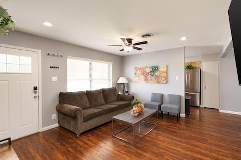Charming Rancher❤️3BR Entire House ❤️ JBSA Randolph ❤️ San Antonio Attractions