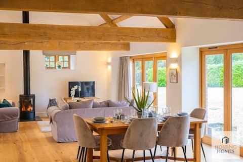 Spacious Luxury Barn In The Heart Of Buckinghamshire