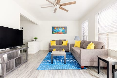 *Private 2BR in Tempe* | Pool & Covered Parking