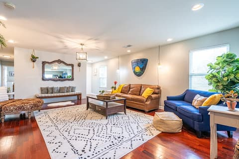 Sweet Retreat at Limestone Creek -Entire Residential Home - in Harvest a suburb of Huntsville