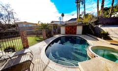 Las+Vegas+Pool+House%21+Private+Pool%2C+Hot+Tub%2C+and+Gigabit+Internet+in+Ranch+Home+Near+Downtown+and+Strip
