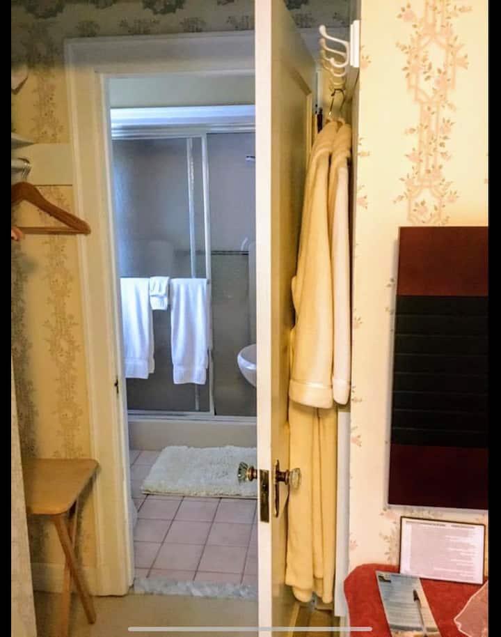 Acadia Basic Queen Room at Heathwood Inn 2nd level
