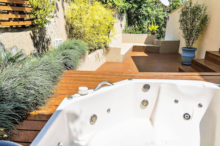 Studio com Jacuzzi a 300 metros do mar