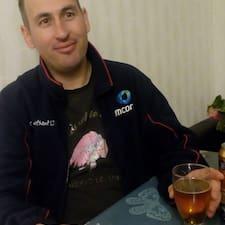 Profil Pengguna Anatolii