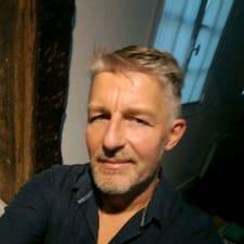 Joël User Profile