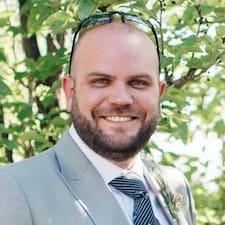 Curtis Brugerprofil