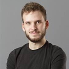 Máté User Profile