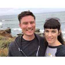 John & Pam Brukerprofil