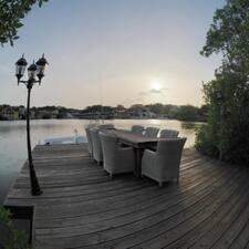โพรไฟล์ผู้ใช้ Luxury Apartments Curacao