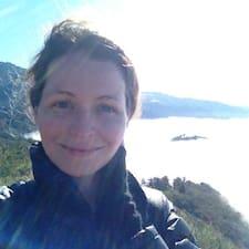 Profilo utente di Yvonne Georgina