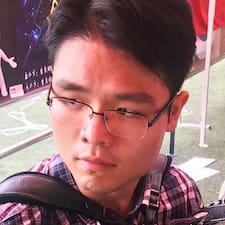 俊伊 User Profile
