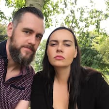 Cathrine & Jason felhasználói profilja