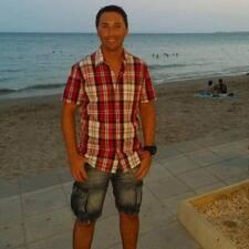 โพรไฟล์ผู้ใช้ Víctor M.