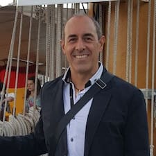 Alberto是房东。