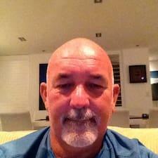 โพรไฟล์ผู้ใช้ Paul