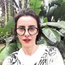 โพรไฟล์ผู้ใช้ Vera Lucia